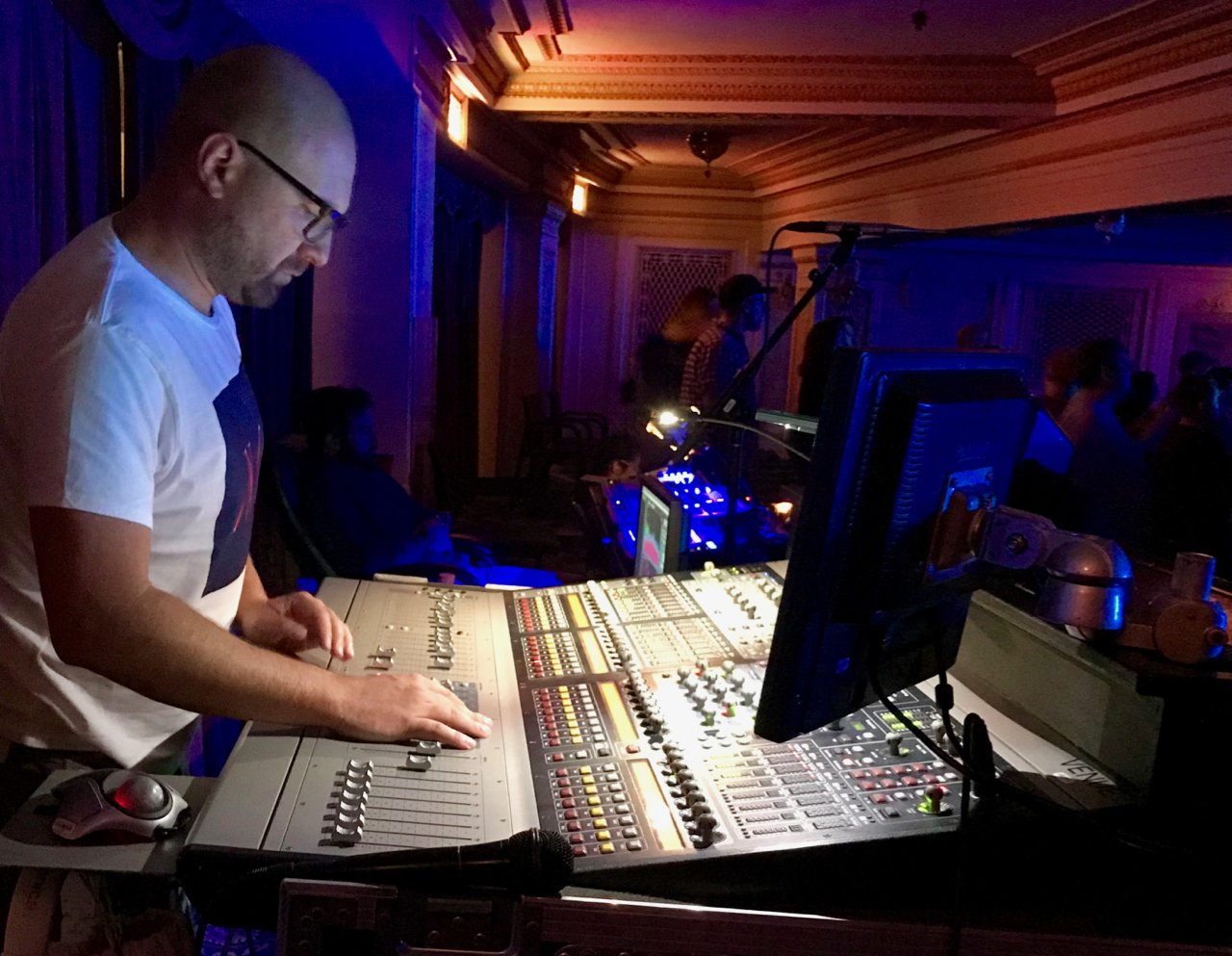 sound-design-live-touring-sound-engineers-getting-paid-less-dave-swallow-erasure-mixing